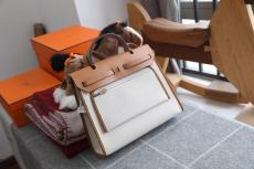 Hermes herbag 31 canvas  waterproof handbag contrast-color holiday traveling bag accompanied by practical back pocket