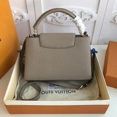 ultimate Version M94428 Louis Vuitton/LV Capucines BB tote handbag feminine double-compartment large-capacity traveling shopping bag with protective base studs