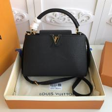 ultimate Version M48864 Louis Vuitton/LV Capucines BB tote handbag feminine double-compartment large-capacity traveling shopping bag with protective base studs