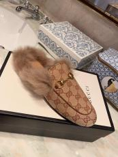 Gucci horsebit suede indoor slipper casual street flat mules half-drag shoes with warmly fluffy  wool lining