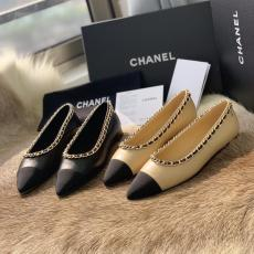 Chanel lady's pointed-toe flat casual shoe ballet toe shoe superb outfit for attending private evening  party