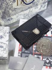 Dior Diorama striking chain-strap crossbody box bag sleek socialite party clutch multislots longwallet card holder