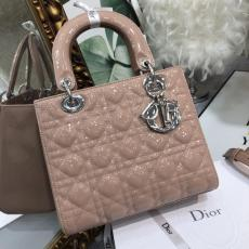 Dior classic Medium lady dior handbag sleek inquisitive shoping crossbody bag with embellished lustrous charm and silver hardware