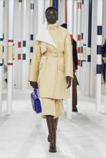 Hermes female stylish cold-resistant winter overcoat indispensable waterproof trench coat with detachable fluffy woollen collar and waist belt