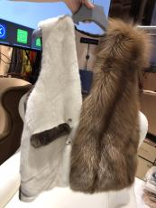Louis vuitton/LV female luxury sleeveless open-front mink fox fur vest coat rich lady socialite must-have winter piece