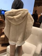 Louis Vuitton/LV high-end ready to wear cold-proof casual mink fur vest with detachable hood must-have severe winter fur coat