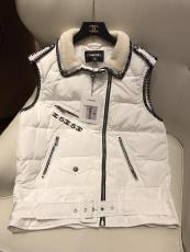 Chanel female casual sleeveless down jacket with lamb fur collar lightweight warm down vest with waisted belt at bottom