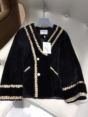 Chanel woman Merino fur sheepskin jacket winter thick lamb fur outerwear shearling coat fur windbreaker  idea aviator pilot coat for harsh weather