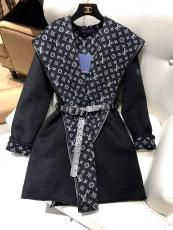 Louis Vuitton/LV female hooded cashmere wrap trench coat relaxed blanket coat coldproof indoor bathrobe with printed-monogram lining and waisted belt