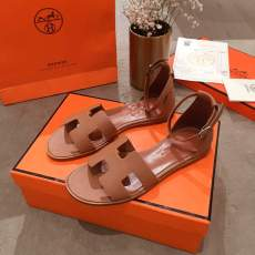 Hermes female casual flat Roma leather sandal size35-40 available