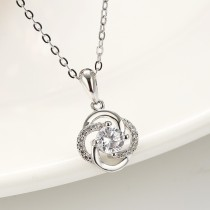 silver flower pendant 884