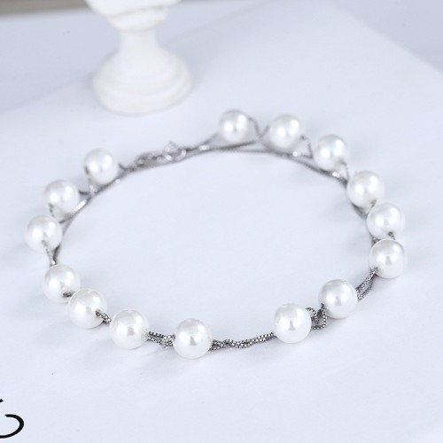 silver pearl necklace and bracelet 913