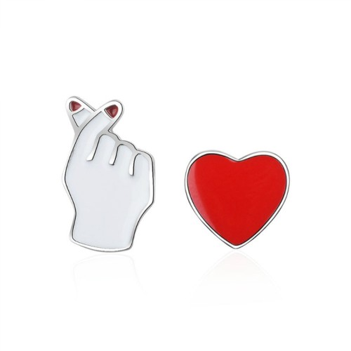 Asymmetric heart earring 580