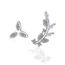 Asymmetric leaves earring 422