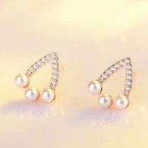 hollow triangle pearl earring XZE421a