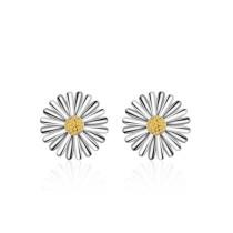 Small daisy earring 410