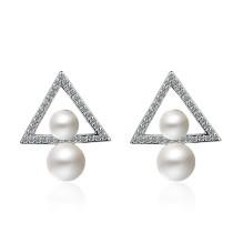 triangle drop pearl earring 393