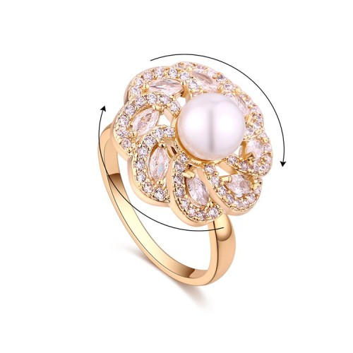 Rotating pearl ring