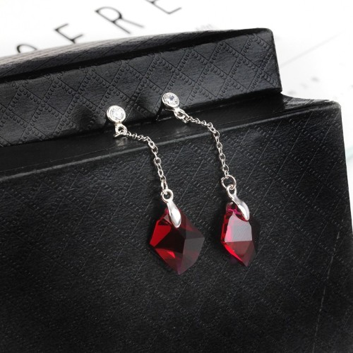 Diamond long earrings 14mm