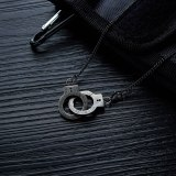 Trendy Vintage Cool Handcuff Pendant PUT DOWN European and American Stainless Steel Pendant Titanium Steel Men's Necklace Gb1582