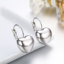 New Style Stud Earring Fashion All-match Ornament Wholesale Fashion Simple Temperament Smooth Heart Alloy Earrings 82840
