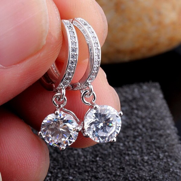 Classic Fashion Zircon Earrings Exquisite Super Shiny Diamond Set Ear Clip Round Zircon Stud Earrings  Qxwe832