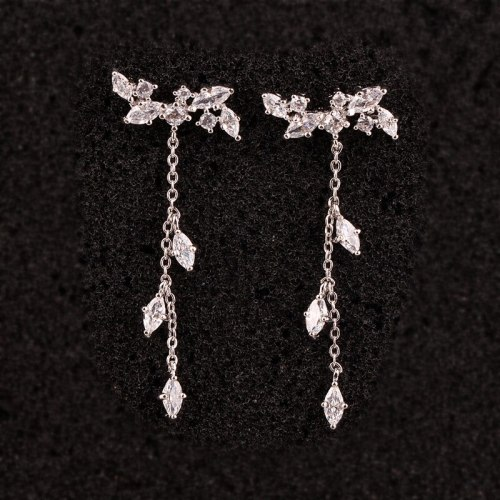 925 Sterling Silver Ear Pin Elegant Tassel Earrings Long Stud Earrings Female Japanese and Korean Earrings Qxwe978