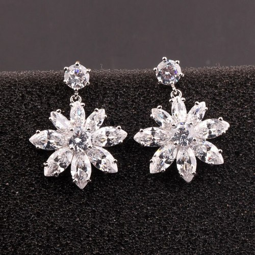 Wholesale Copper and Zircon Stud Earrings 925 Sterling Silver Ear Pin Korean-Style Zircon Earrings Pendant Earrings Qxwe844