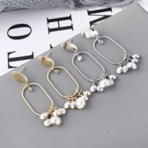 European Creative Fashion Simple Geometric Hollow Pearl Earrings Female S925 Silver Needle Stud Earrings Small Jewelry 139566