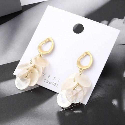 New European Fashion Creative Small round Earrings Female Temperament Pearl Stud Earrings Sterling Silver Ear Pin 138858