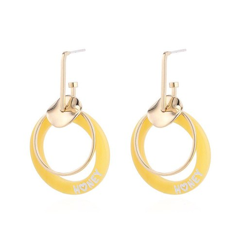 New Korean Fashion Hipster Yellow Acrylic Earrings Girls Wild Circle Sterling Silver Pin Stud Earrings Jewelry 140124