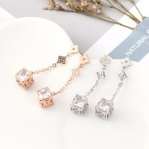 Korean Fashion All-match Clover of Four Leaves Earrings the Bride Cool Temperament Earrings S925 Silver Pin Jewelry B-4478
