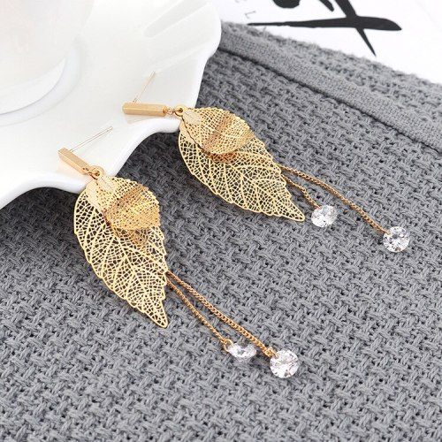 New Korean Fashion Tassel Earrings Ladies Temperament Small Tree Leaves Earrings Pendant Wholesale 139825