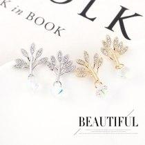 European Fashion Creative Sapling Crystal Earrings Women's All-match S925 Silver Needle Earrings Small Jewelry Wholesale 140379