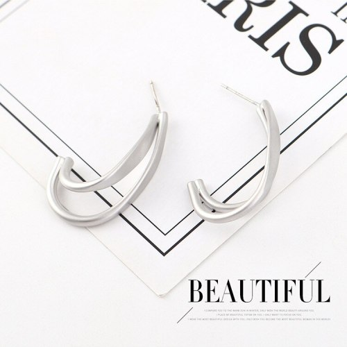 European and American Simple Metal Earrings Female All-match Cool C- Shaped Earrings 925 Silver Pin Small Jewelry B-4520
