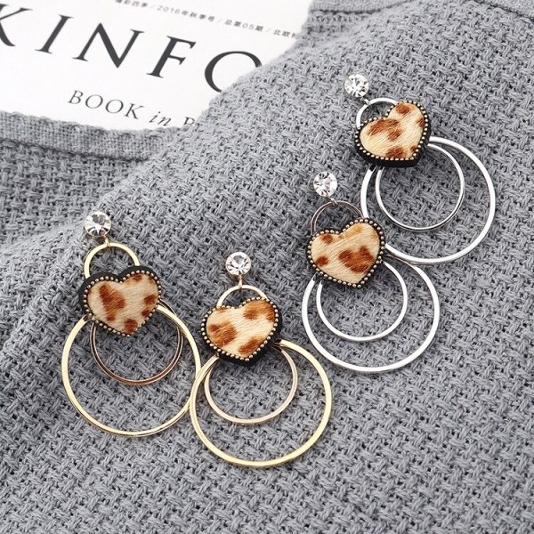 New Korean All-match Earrings Female Fashion Personality Temperament Great Circle Fluff Stud Earrings Sterling Silver 139576