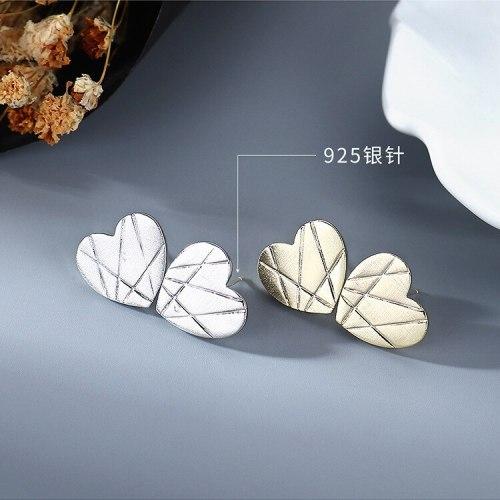 New Earrings European Simple All-match Little Love Hearts Stud Earrings Female S925 Silver Needle Earrings B-4855