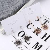 Korean Creative Cool Crystal Ear Stud Female Fashion Exaggerated Oval Disc Irregular Geometric Earrings Long Ornament 139886