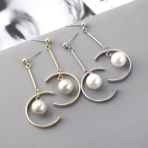 New European and American Creative Half-round Hollow Pearl Earrings Women's Long Fashion Simple Moon Earrings 139909