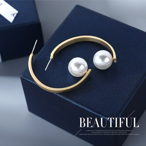 Summer New Style S925 Silver Pin C- Shaped Ear Stud European and American Ins Wind Vintage Pearl Earrings Wholesale Hair B-4850