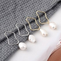 European Simple Fashion All-match Natural Pearl Earrings Female Irregular Square Hollow Earrings S925 Silver Needle 139929