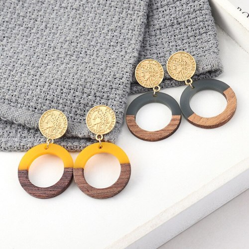 European Creative Retro Portrait Seal Earrings Women's Simple and Versatile Wood Circle S925 Silver Pin Earrings 140005