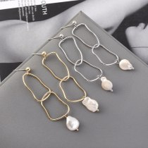 New European Creative Geometric Hollow Natural Pearl Earrings Women's Retro Simple Silver Needle Stud Earrings 140322