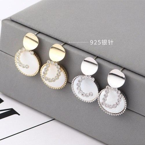 New Korean Fashion All-match Elegant CD Lettered Shell Disc Earrings S925 Sterling Silver Needle Ornament 140104