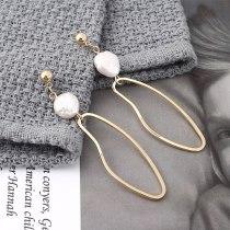 Women's Korean Retro Natural Pearl Earrings Simple Geometric Cutout Earrings S925 Silver Needle Stud Earrings Wholesale 139854