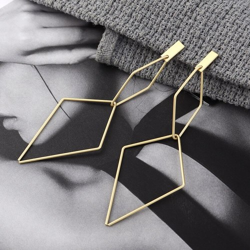 New European and American Exaggerated Fashion Simple Diamond Hollow Earrings Women S925 Silver Needle Ornament 140146