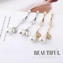 European New Style Cool Fashion Pearl Earrings Female S925 Sterling Silver Needle Stud Earrings Jewelry 138942