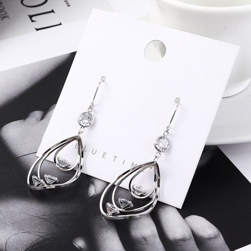 European Creative Temperament Zircon Earrings Female All-match Fashion Cool Earrings Small Jewelry Wholesale 138992