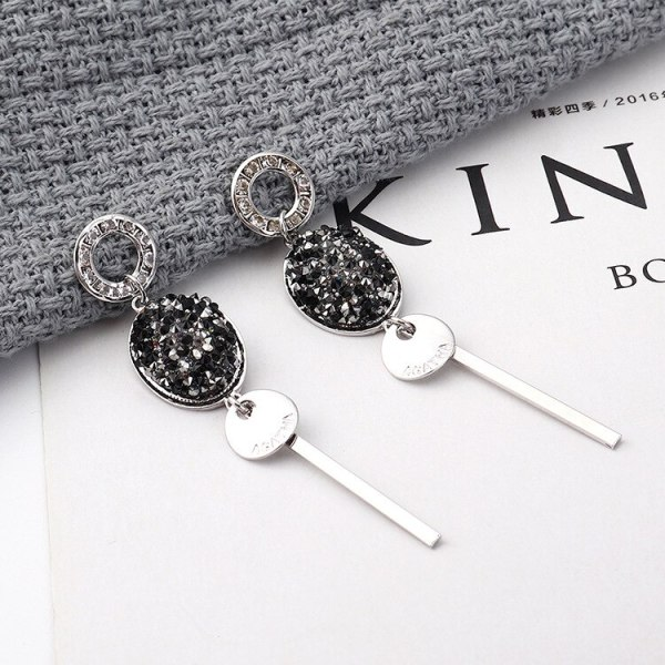 European and American Exaggerated Cool Ball Tassel Earrings Long Anti-Allergy Fashion Small Jewelry 139834