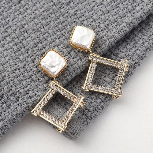 New European and American Simple Hipster Elegant Versatile Diamond Diamond Set Earrings Female Sterling Silver Pin 140030